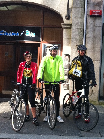 Clare Binns, Neil Gardhouse and Simon Woplin ready to set off from the Belmont in Aberdeen