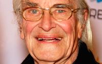 Martin Landau, star of TV's 'Mission: Impossible', dies at 89