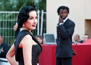 "Actress Dita von Teese arrives at the premiere of ""Inglorious Basterds"" at the 62nd Cannes Film Festival in Cannes."